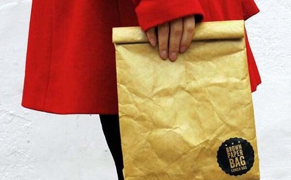 紙袋のような風合いを持つランチバッグはアメリカのドラマや映画みたいな雰囲気。
